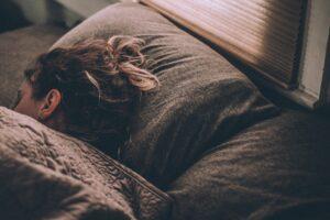 夜寝る時の画像